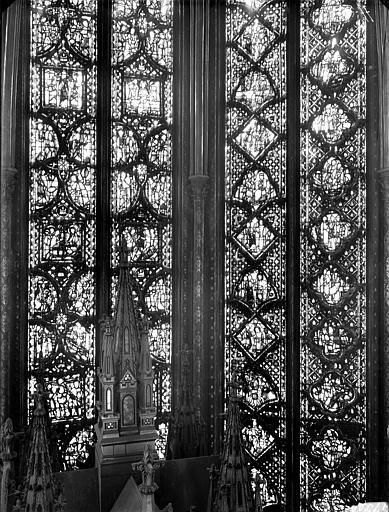 Vitrail, côté sud, cinquième fenêtre, partie médiane, Jérémie