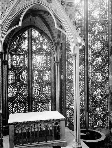 Vitrail, côté sud, cinquième fenêtre, partie basse, Jérémie