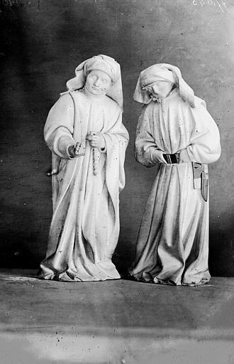 Tombeau des Ducs de Bourgogne, deux pleurants