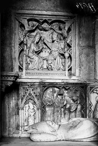 Tombeau, parement intérieur gauche, bas-relief