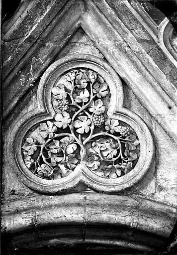 Transept, détail d'ornementation, trèfle