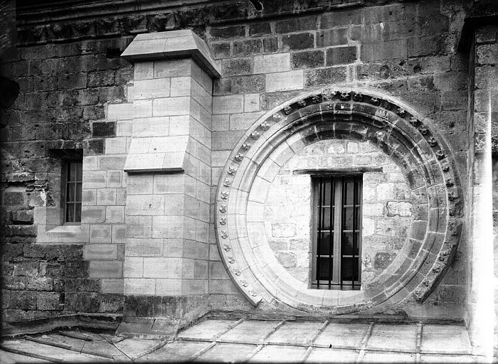 Réfectoire (ancien), façade orientale, reprise de la brèche