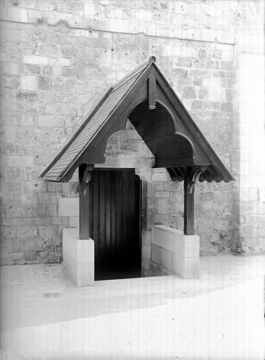 Porche d'accès à la chapelle
