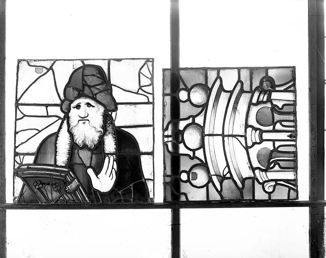 Deuxième galerie, portail sud, lancette de Malachie, tête et détail du dais