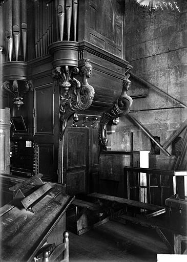 Buffet d'orgue : cariatides