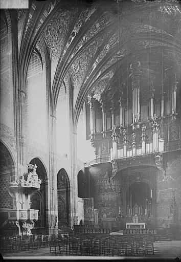 Orgue de tribune : tribune ; buffet d'orgue