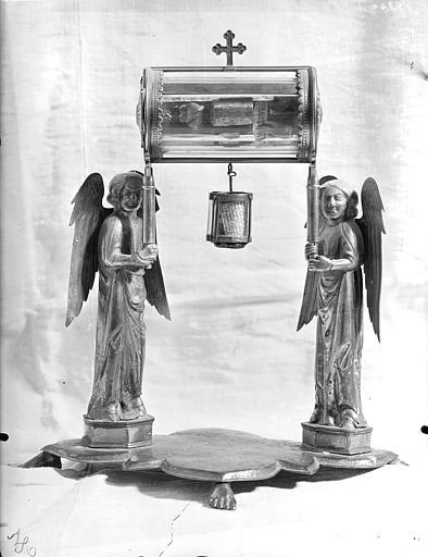 Reliquaire en cristal de roche et cuivre : cylindre porté par deux anges (face)
