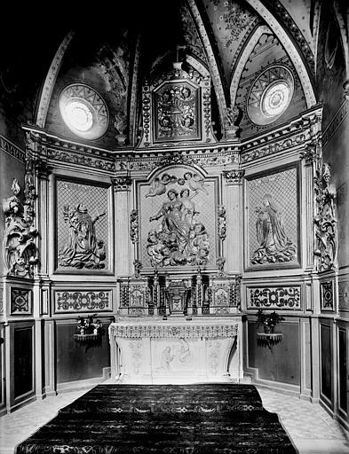 Vue intérieure du choeur : Retable de la Vierge au rosaire avec saint Dominique et sainte Rosa