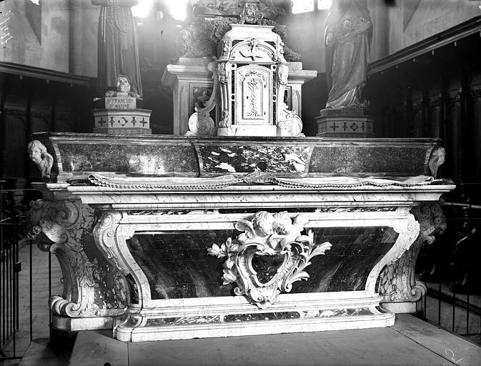 Autel. Maître autel