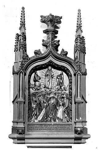Bas-relief de Philippe de Vivier. Monument funéraire funéraire du chanoine Philippe de Vivier : La Transfiguration et le donateur accompagné de saint Philippe
