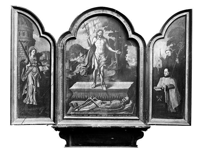 Triptyque peint, Christ triomphant. Triptyque peint : La Résurrection, sainte Barbe et le chanoine Robert de saint Martin