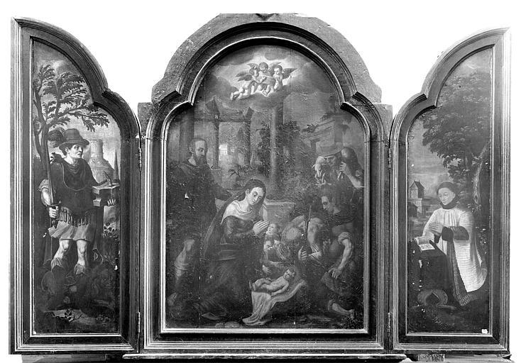 Triptyque peint, adoration des bergers. Triptyque peint (ouvert) : L'Adoration des bergers, saint Adrien et un chanoine donateur