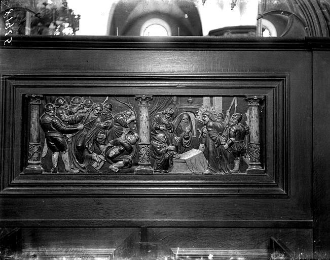 Bas-relief en bois polychrome, revers du banc d'oeuvre, Scènes de la Passion