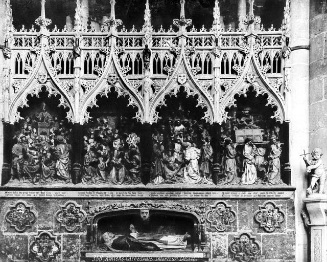 Clôture du choeur, côté sud. Haut-relief : Vie de saint Firmin