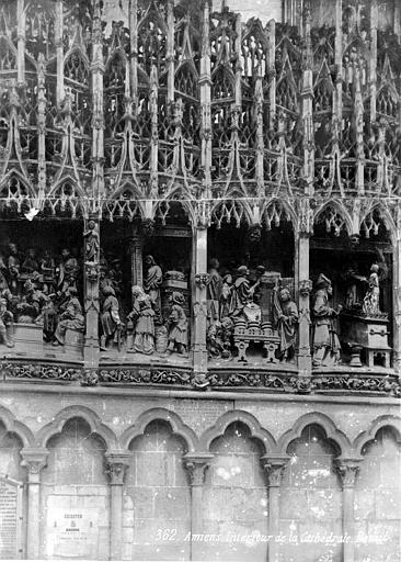 Clôture du choeur, côté nord. Haut-relief : Le Christ chassant les marchands du Temple