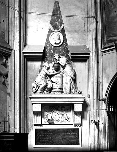 Monument funéraire de Roux de Puyvert