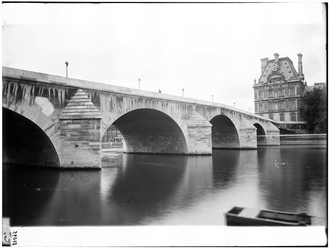 Vue du pont et du Pavillon de Flore