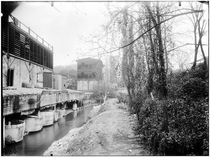 Vue des bords de la rivière et des tanneries