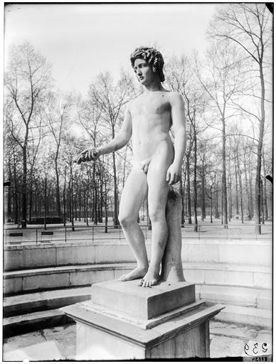 Statue de Triptolème