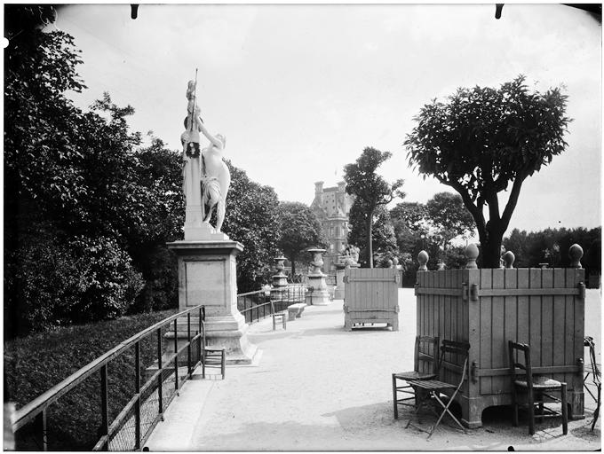 Statue de Cassandre se mettant sous la protection de Pallas