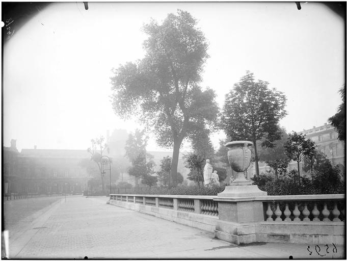 Cour Napoléon