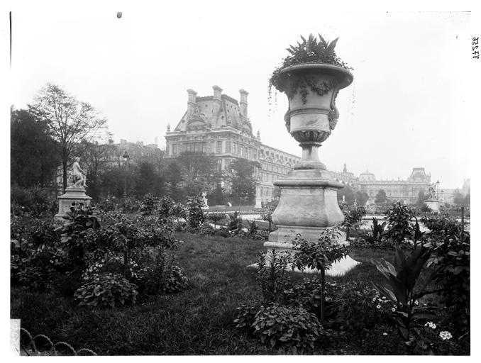 Le jardin des Tuileries et le pavillon de Marson à l'arrière-plan