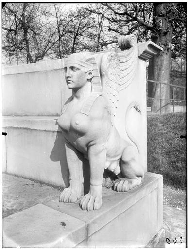 Statue de chimère