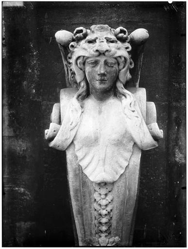 Cariatide provenant des Tuileries