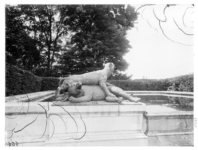 Fontaine du Point du Jour, groupe sculpté