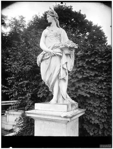 Cérès, statue dans le parc