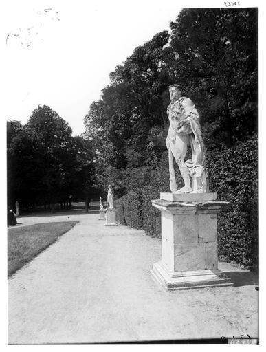 Parterre de Latone : Hercule tenant les pommes d'or
