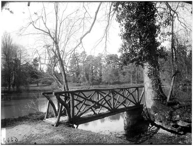 Vue du lac et du pont