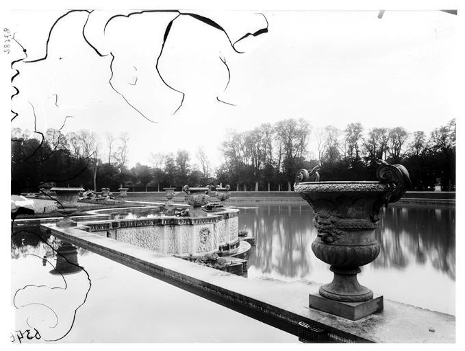 Bassin de Neptune : vase