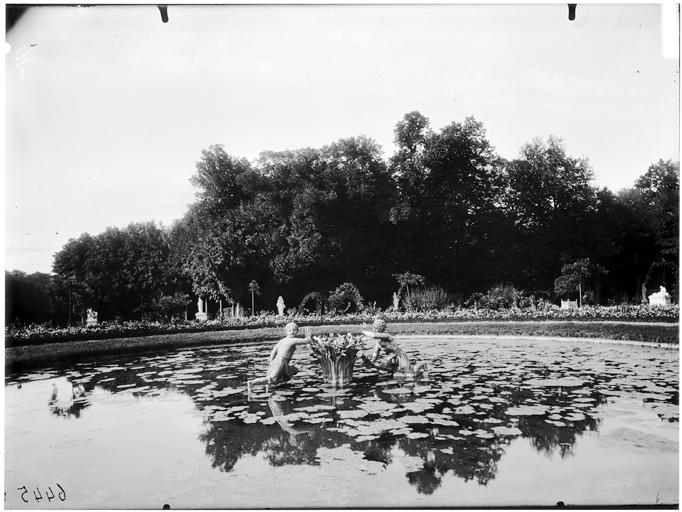 Parterre de Latone : bassin des lézards