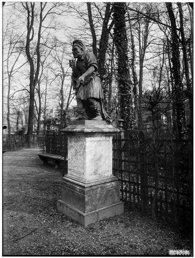 Bosquet de l'Arc de triomphe : Esope, statue