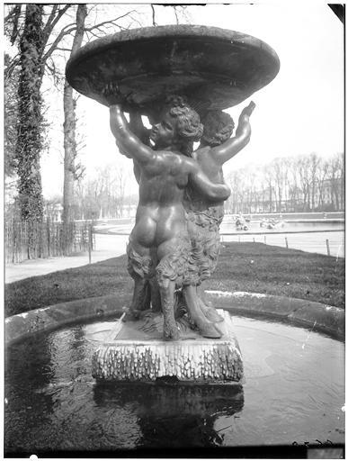 Allée d'eau : vasque et groupe sculpté, bassin des Marmousets, bassin du Dragon