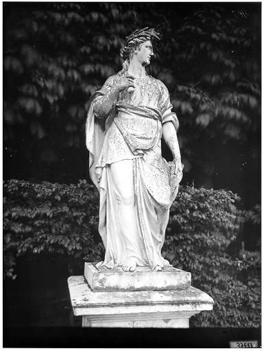 Cérès, statue