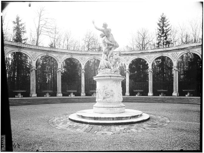 Bosquet de la Colonnade : Enlèvement de Proserpine par Pluton