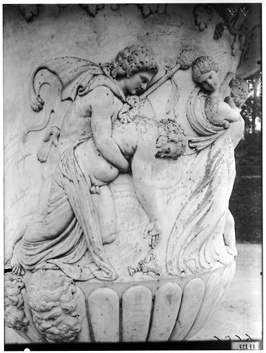 Parterre de Latone : vase