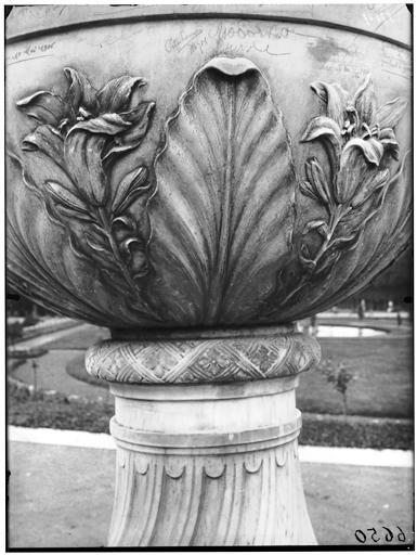 Jardin du roi : vase