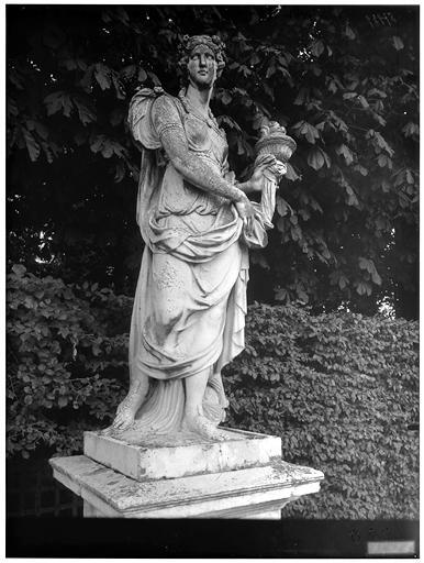 Parterre de Latone, rampe sud : statue