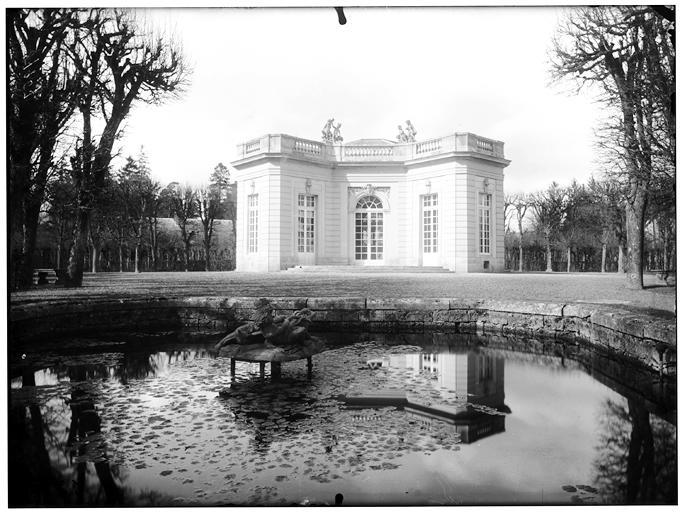 Pavillon français : vue d'ensemble