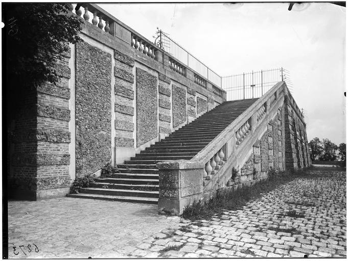 Rampe d'escalier de l'orangerie