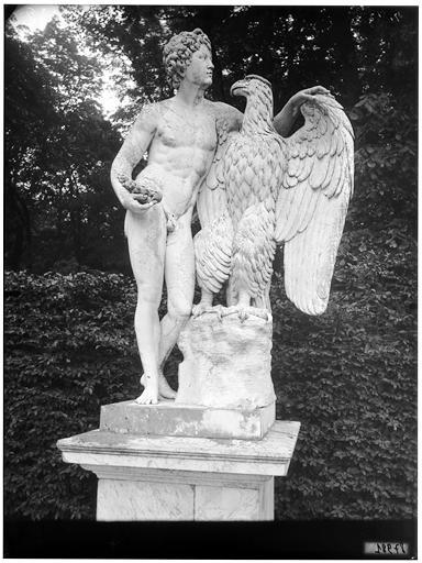 Parterre de Latone : Ganyméde, groupe sculpté