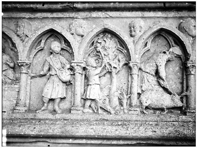 Portail ouest, bas-relief