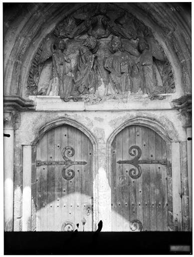 Portail sud, tympan : Couronnement de la Vierge