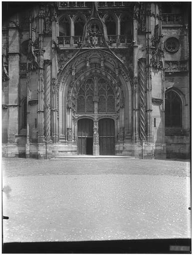 Façade sud, portail du transept