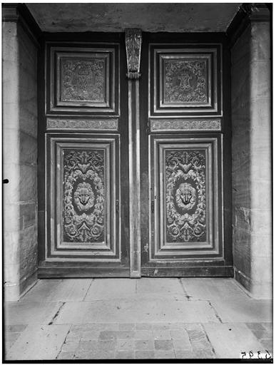 Porte Dorée, porte du Primatice : vue du vantail de la porte
