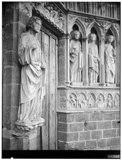 Christ enseignant, portail ouest