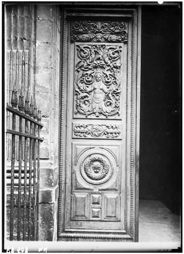 Vantail du portail sud